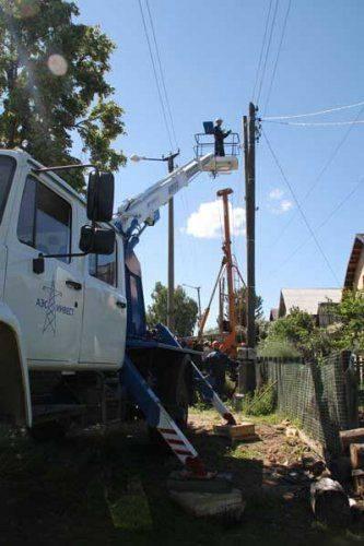 По требованию пао «челябэнергосбыт» в кыштыме протянут более 1 км нового электропровода